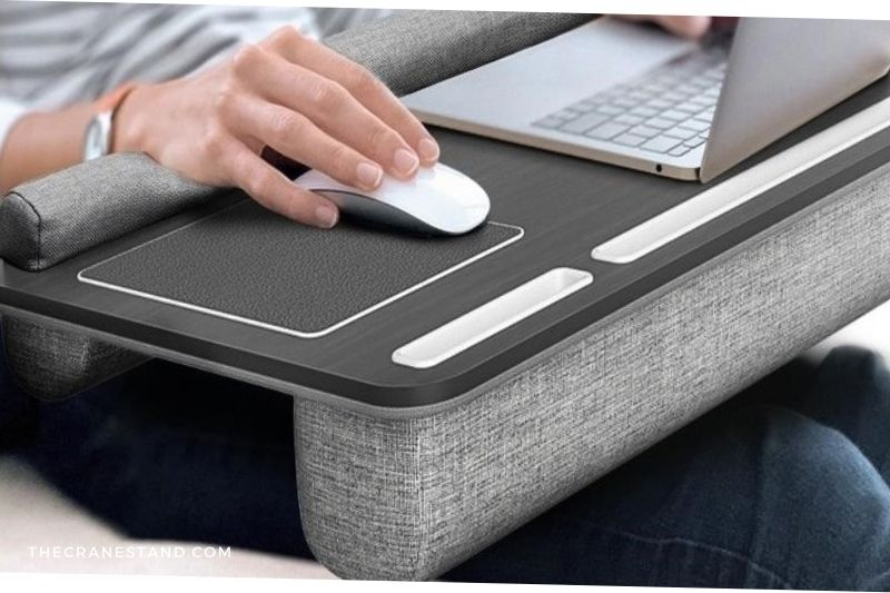What should I look for in a laptop stand (1)